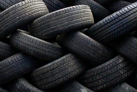 Jeté pneu