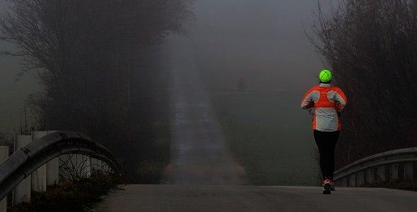 Běžec v mlze