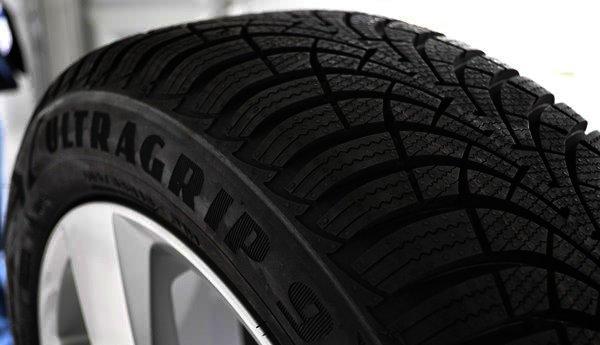 zimní pneumatiky Goodyear UltraGrip 9