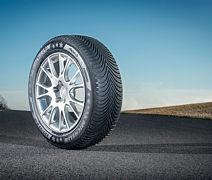 Michelin ALPIN 5 215/55 R16 97 V XL Zimní