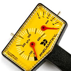 Pneu měřič tlaku a hlobky dezénu